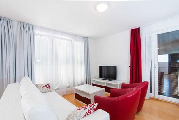 Lux Mistique Red - Izgled dnevne sobe