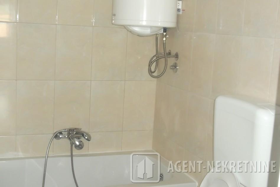 0, 1 kupatilo, 44000 evra, Trosoban, 227