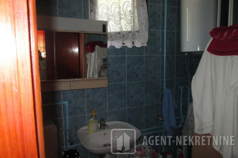 Jagodina, 2 kupatila, 120000 evra, , 459
