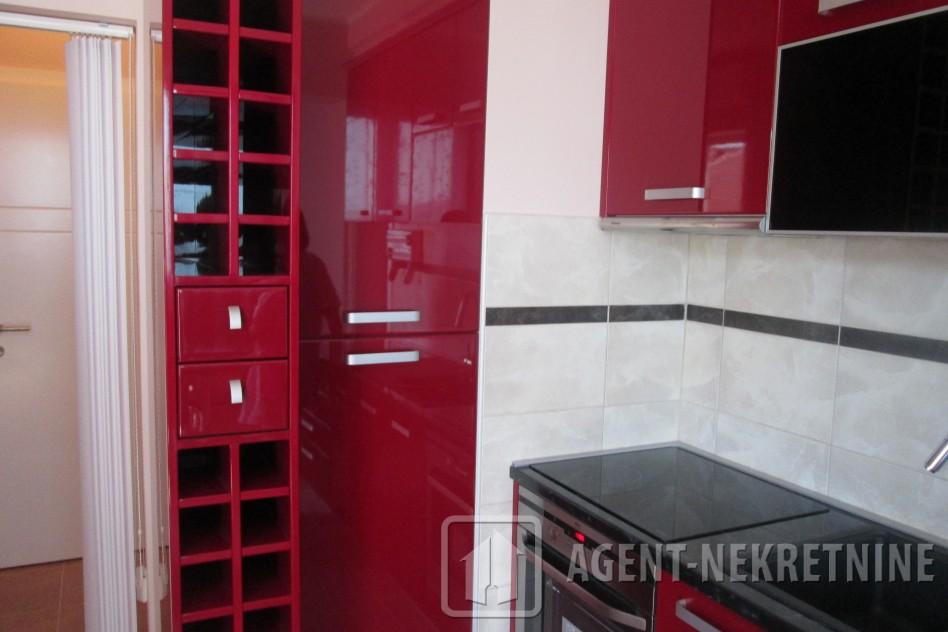 Jagodina, 1 kupatilo, 55000 evra, Trosoban, 526
