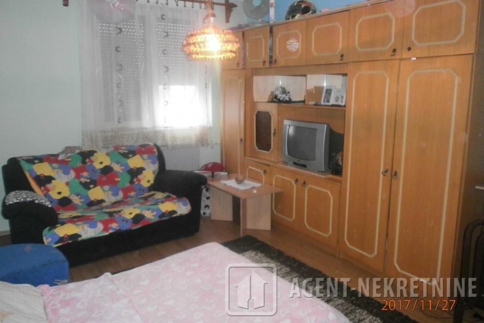 j, 1 kupatilo, 19000 evra, Jednosoban, 529