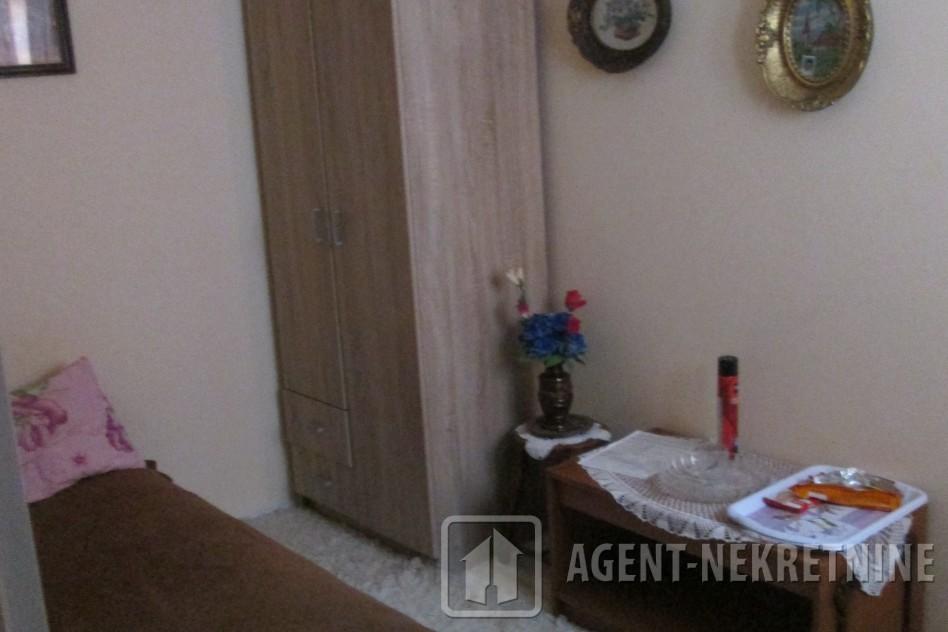 Jagodina, 1 kupatilo, 30000 evra, Trosoban, 551