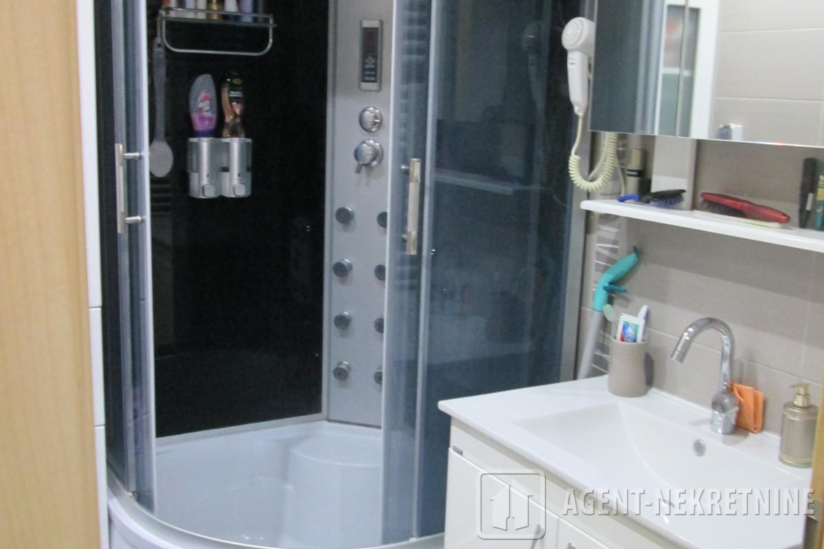 Jagodina, 1 kupatilo, 73000 evra, Trosoban, 598